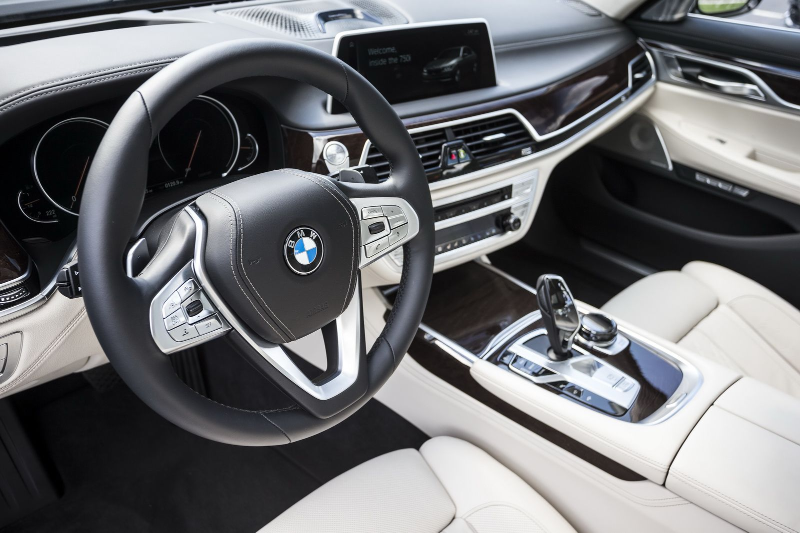 Bmw usa has released a huge photo gallery with the us spec 2016