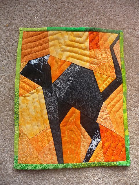Cat Mini Quilt - front by sewtobed, via Flickr - paper piecing tutorials