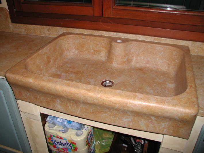Lavello da massello in giallo reale lavello acquaio marmo pietra cucina muratura pinterest - Lavabi per cucina ...