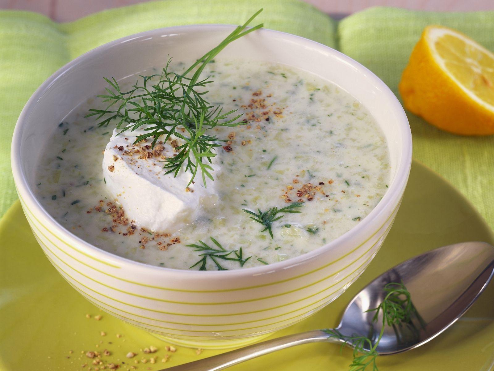suppe zum abnehmen rezept, gurkenkaltschale mit dill und sauerrahm | recipe | buttermilch-diät, Design ideen