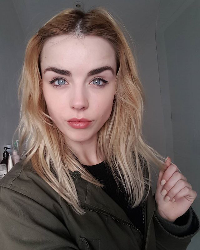 Danielle Sharp Fan: Fotos | Fotos videos, Instagram, Fotos