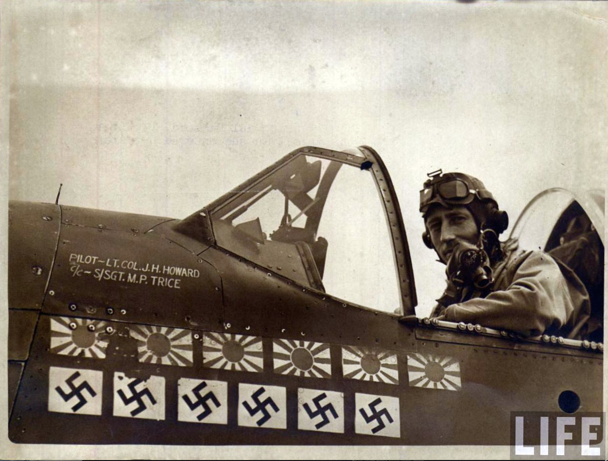 Lcol James H Howard Usaaf With His North American Aviation P 51b 5 Na Mustang 43 6315 Ding Hao Life Maga Wwii Fighters Wwii Fighter Pilot Medal Of Honor