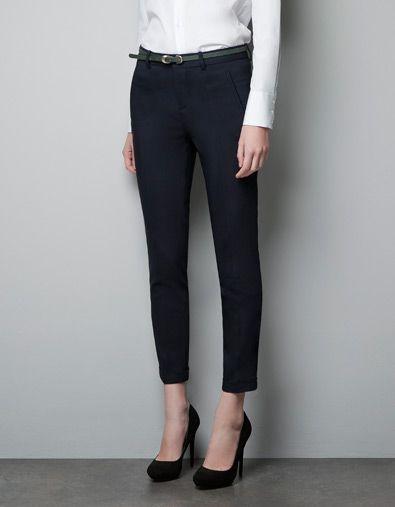 Sleek & sassy black ankle pants....