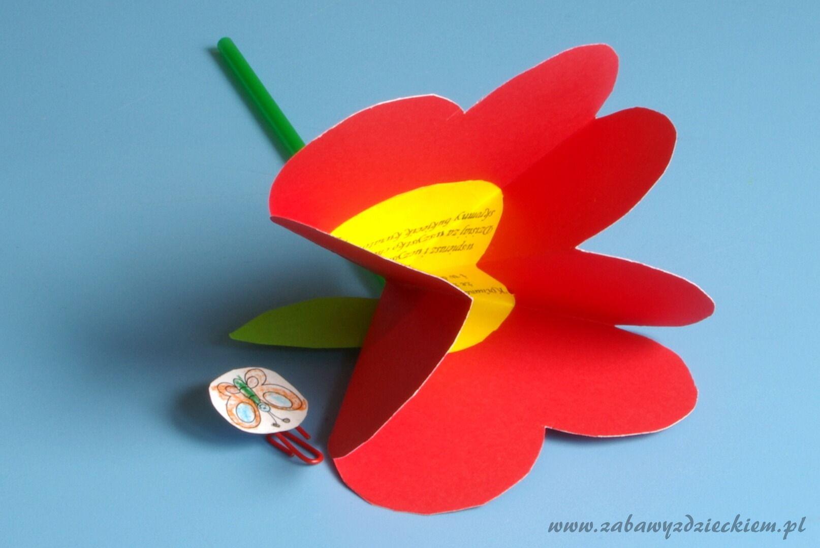 Laurka Sercowy Kwiatek Z Motylkiem Push Pin Image