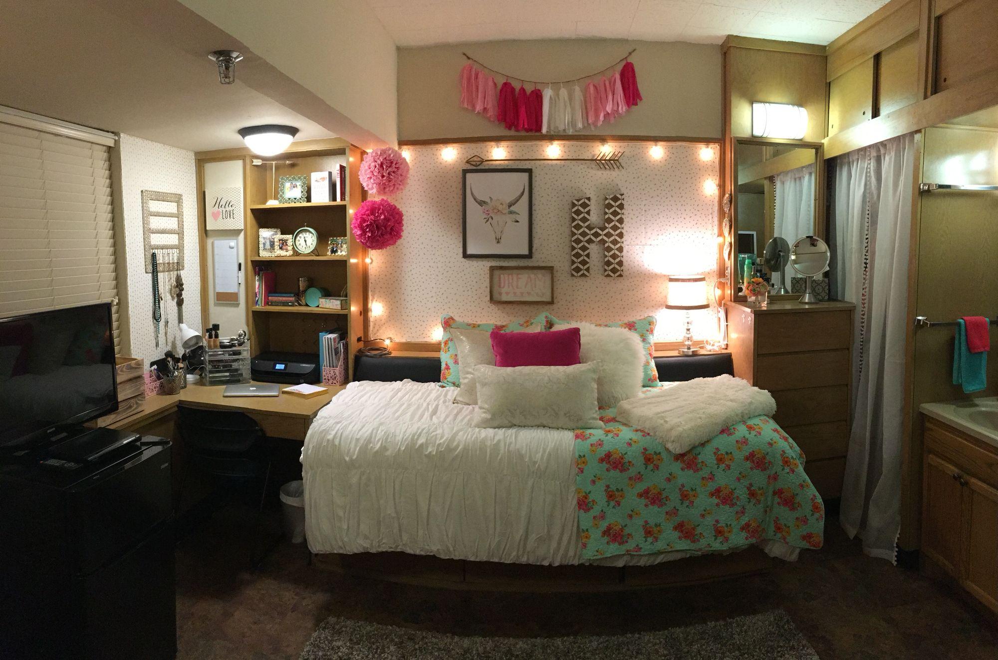Texas tech dorm room college pinterest habitaciones for Decorar habitacion residencia universitaria