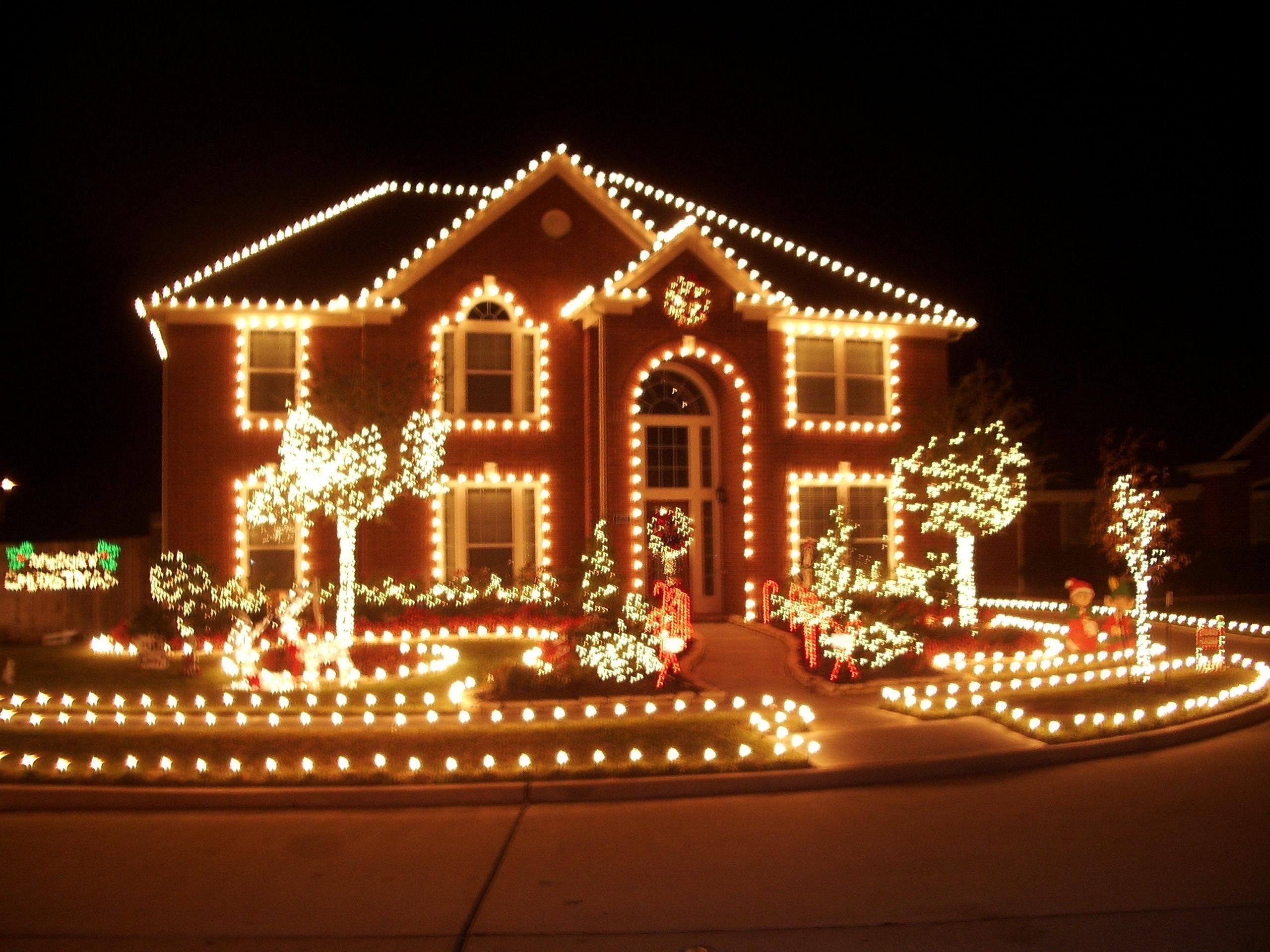 Best Diy Outdoor Lighting Ideas For Trees 2390427622 Outdoorgardendecor Decorating With Christmas Lights Diy Christmas Lights Christmas House Lights