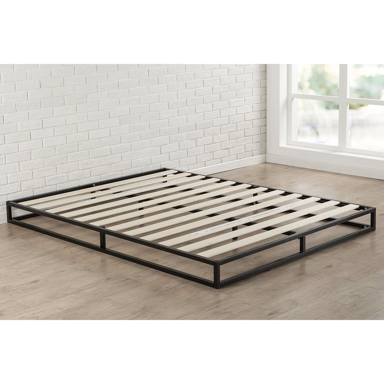 King Size 6 Inch Low Profile Metal Platform Bed Frame With Wood Slat Mattress Foundation In 2020 Metal Platform Bed Low Profile Bed Frame Low Platform Bed Frame