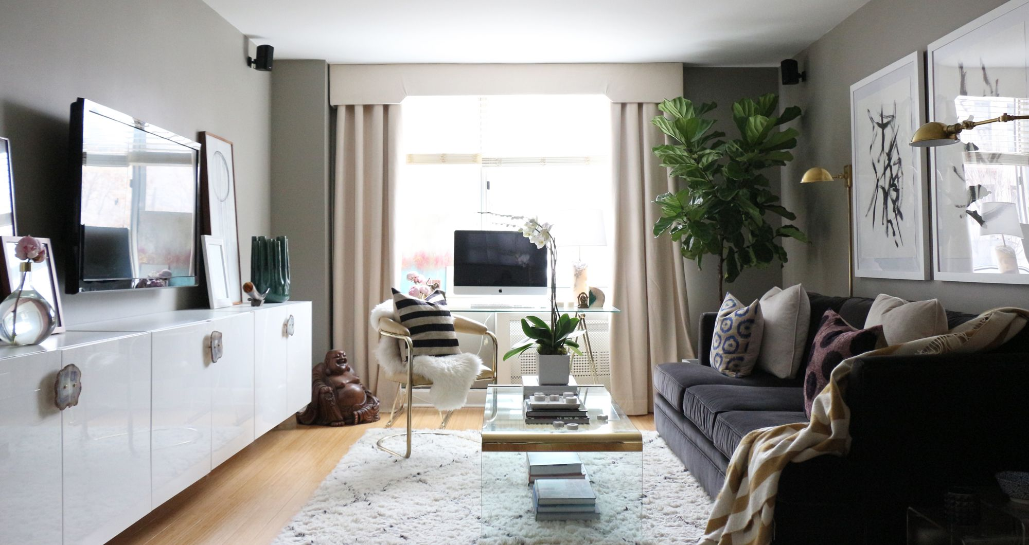 This Nyc Interior Designer S Apartment Is A Craigslist Hunter S Dream Small Apartment Living Apartment Interior Apartment Living