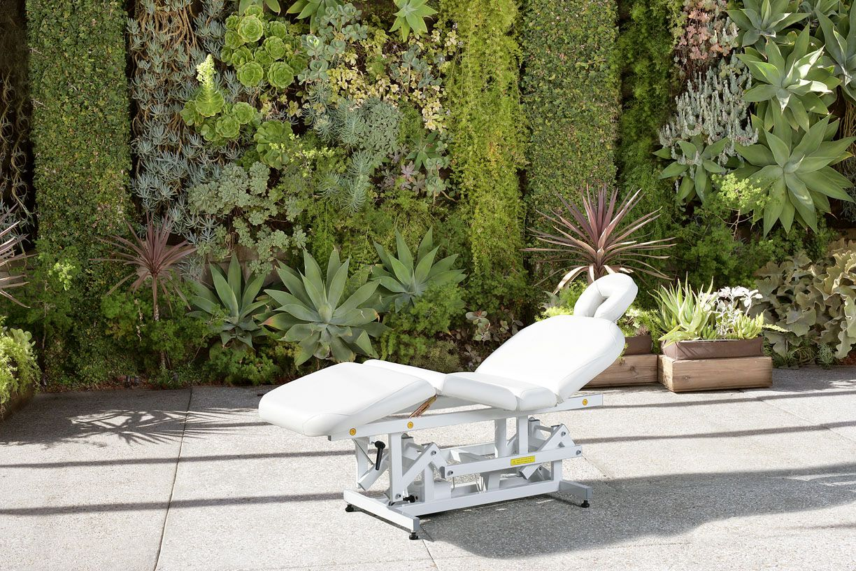 Captivating 3980 Redondo Electric Table Electrical Lift Treatment Table With Manually  Adjustable Back And Leg Cushions.