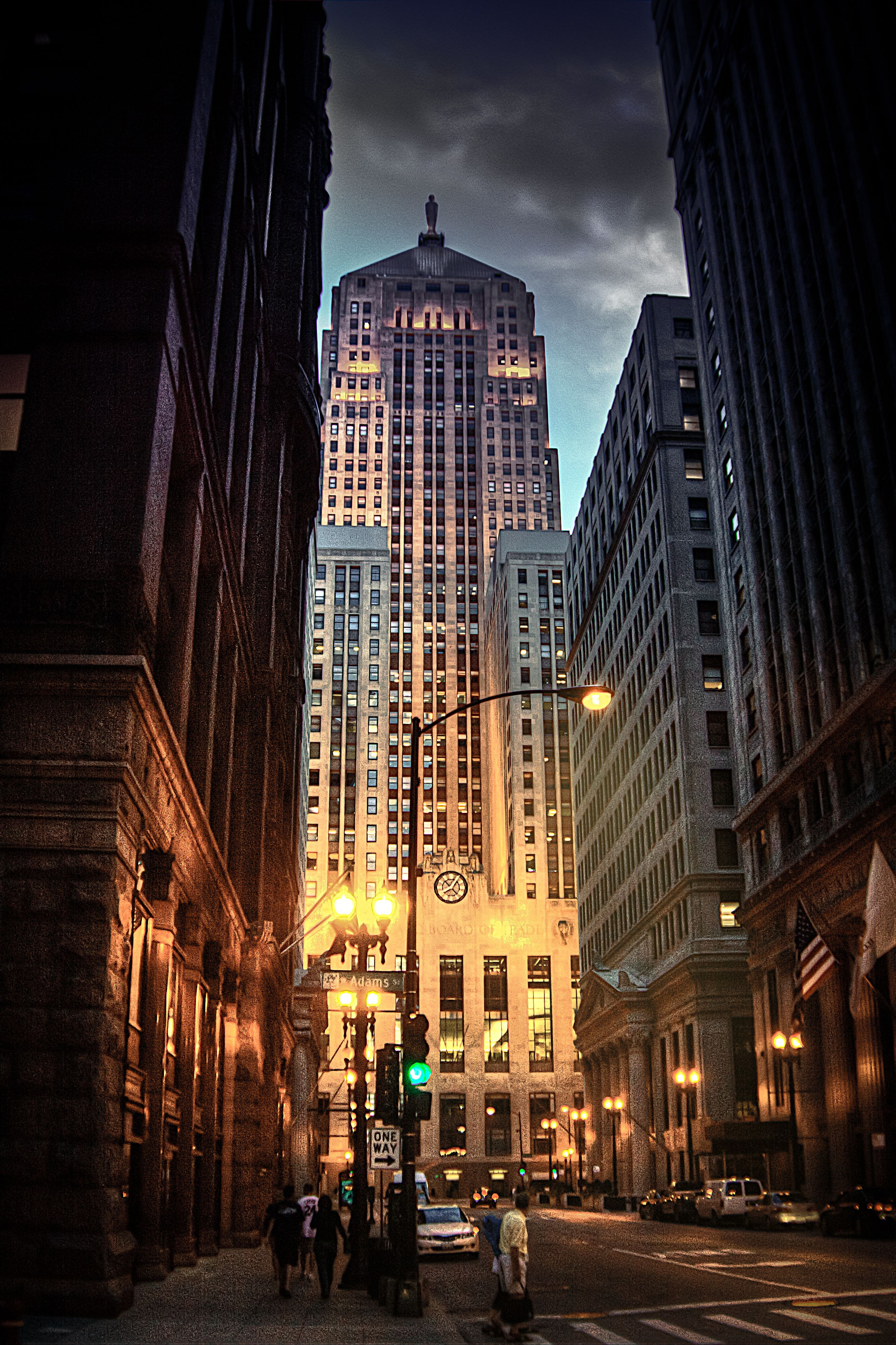 Chicago Board Of Trade Building - [605 Ft] - W Jackson Boulevard | Chicago photos, Chicago buildings, Chicago city