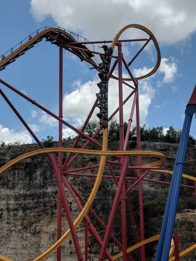 Wonder Woman Golden Lasso Coaster At Six Flags Fiesta Texas One Of The Most Intense Coasters I Ve Ever Been On Six Flags Fiesta Texas Roller Coaster Riding