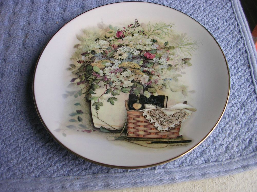 PAT RICHTER BASKET COLLECTION PLATE \