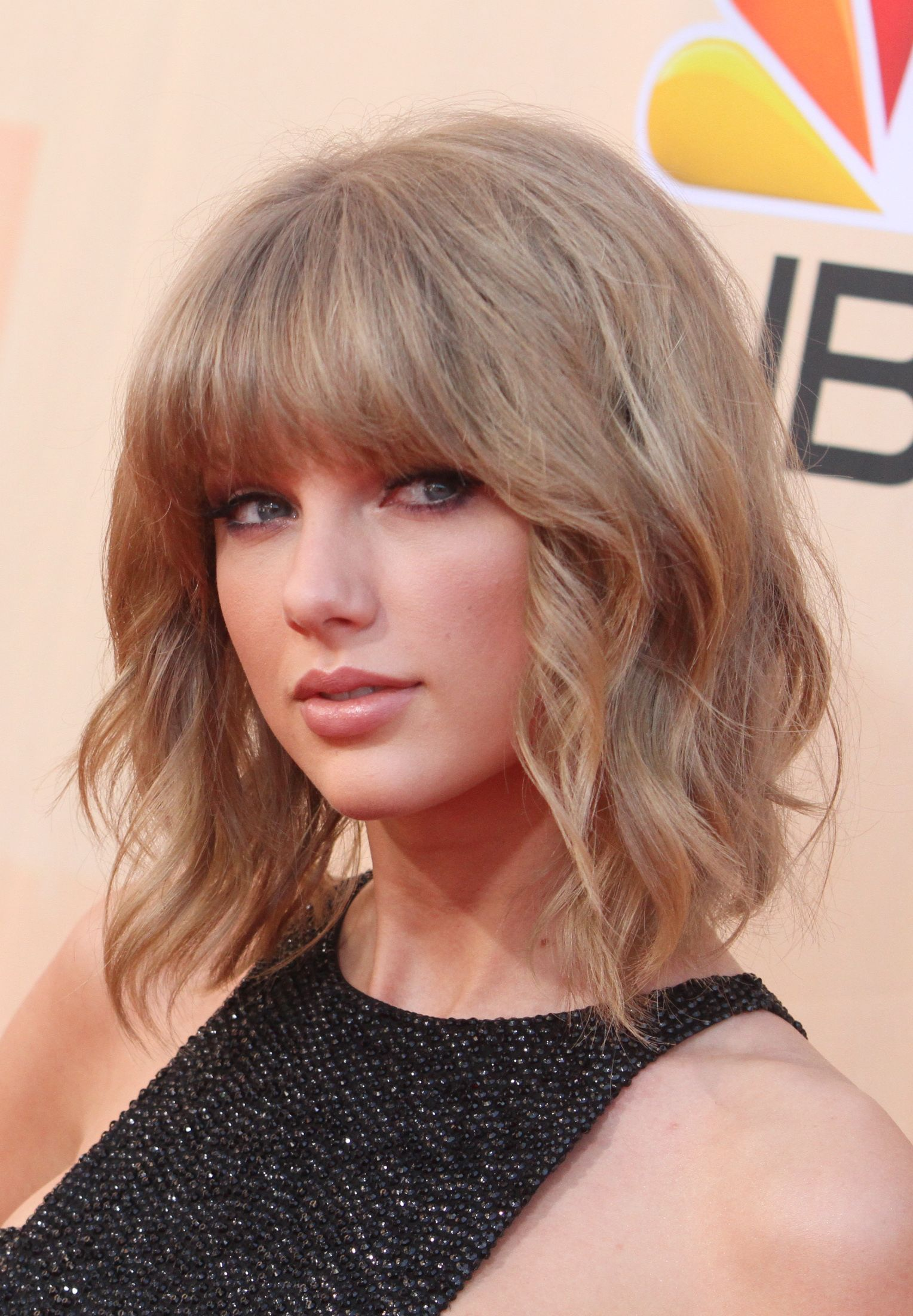 This Is How Taylor Swift Does Edgy Taylor Swift Short Hair Taylor Swift Hair Taylor Swift Haircut
