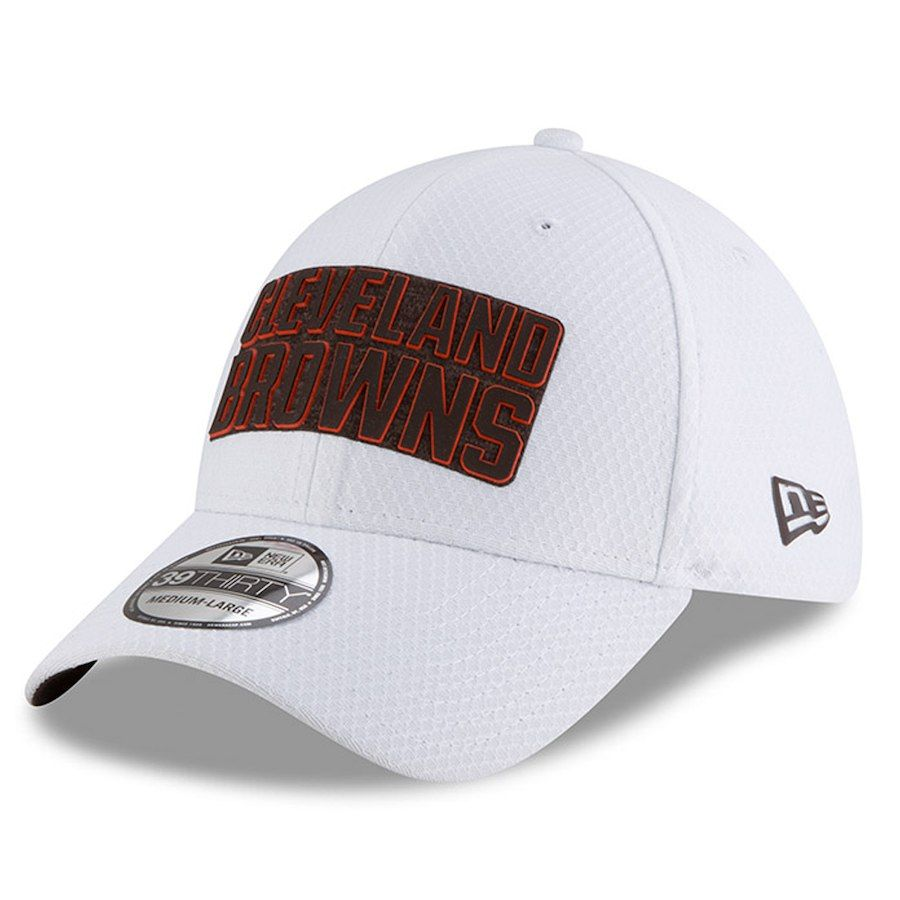 Men s Cleveland Browns New Era White 2018 Training Camp 39THIRTY Flex Hat cff27bd9c