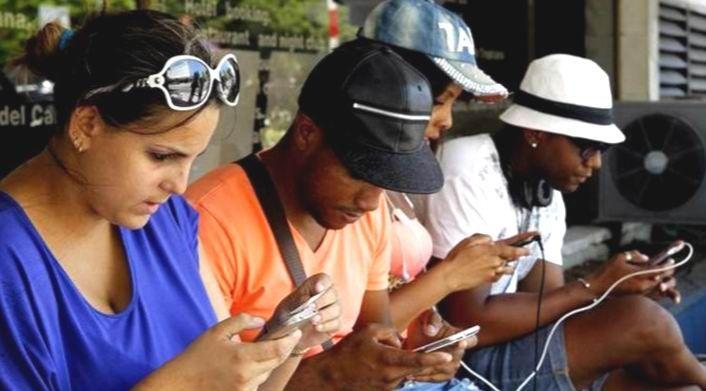Euforia en la Habana por la era del internet y el WI-FI