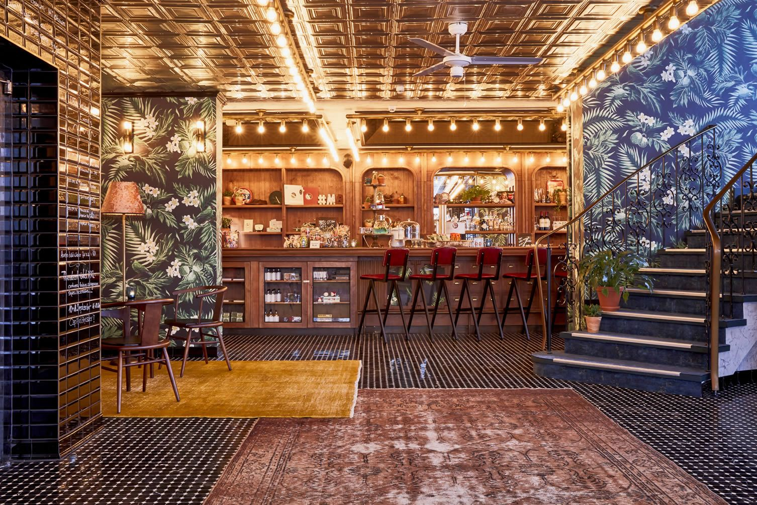 Take Max Brown S Retro Infused Lifestyle Concept For A Spin At Their New Vinyl Friendly Dusseldorf Hotel With Images Midtown Hotel Bright Rooms