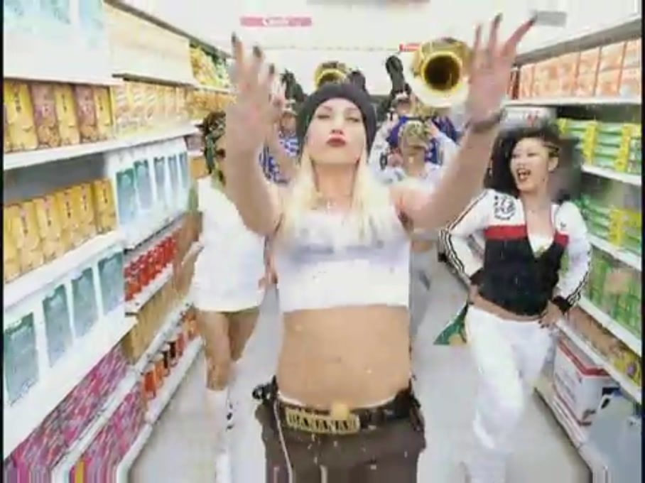 musica gwen stefani hollaback girl