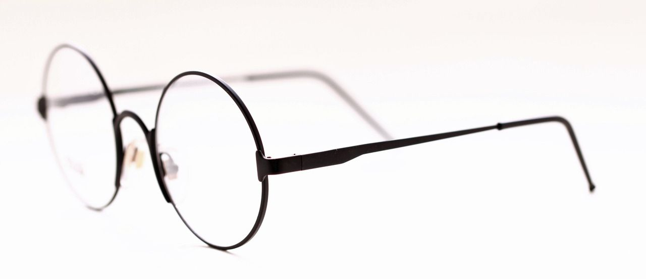 The Old Glasses Shop - Gianfranco Ferre Large True round Black ...