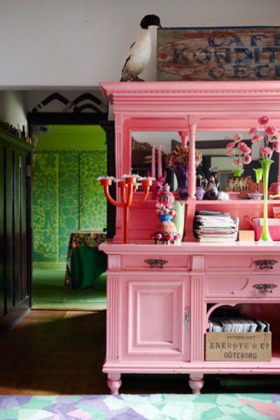 Repeindre un vaisselier id e deco meubles rose decoration meuble mobilier de salon - Repeindre un salon ...