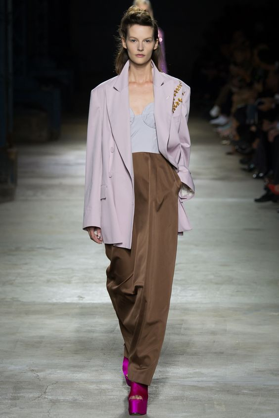 Dries Van Noten Spring 2016 Ready-to-Wear Fashion Show: