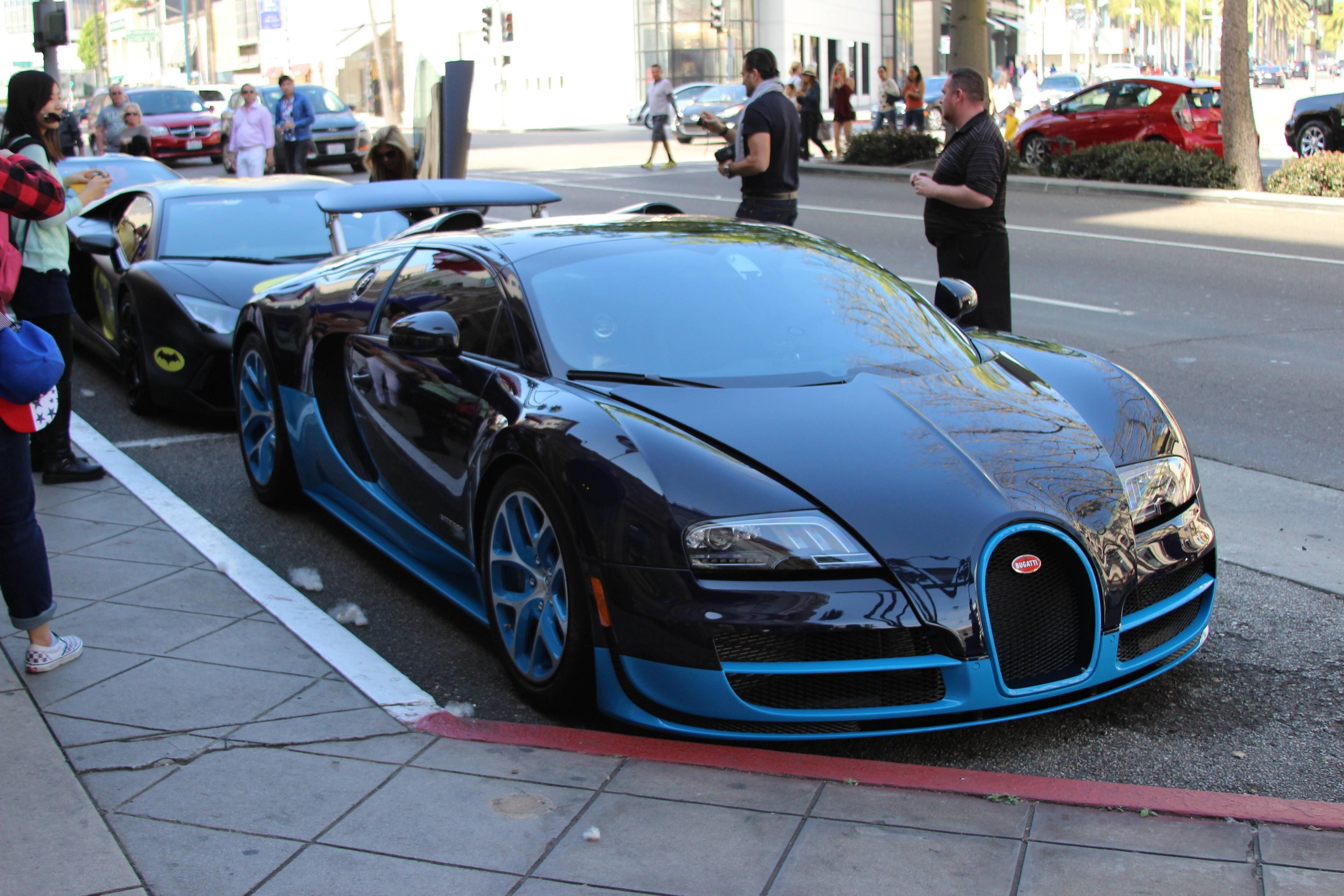 blue bugatti veyron vitesse aka bleugatti 4 million dollar. Black Bedroom Furniture Sets. Home Design Ideas