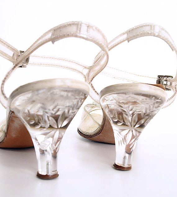 b29ffa86250 50s Clear Plastic Shoes with Carved Lucite Heels and   Rhinestone Ornament  8AA
