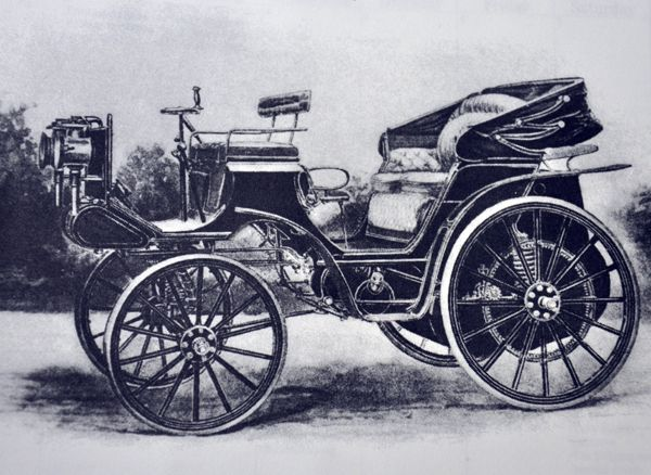 Steinway Sons And The Daimler Motor Company Introduced This Car