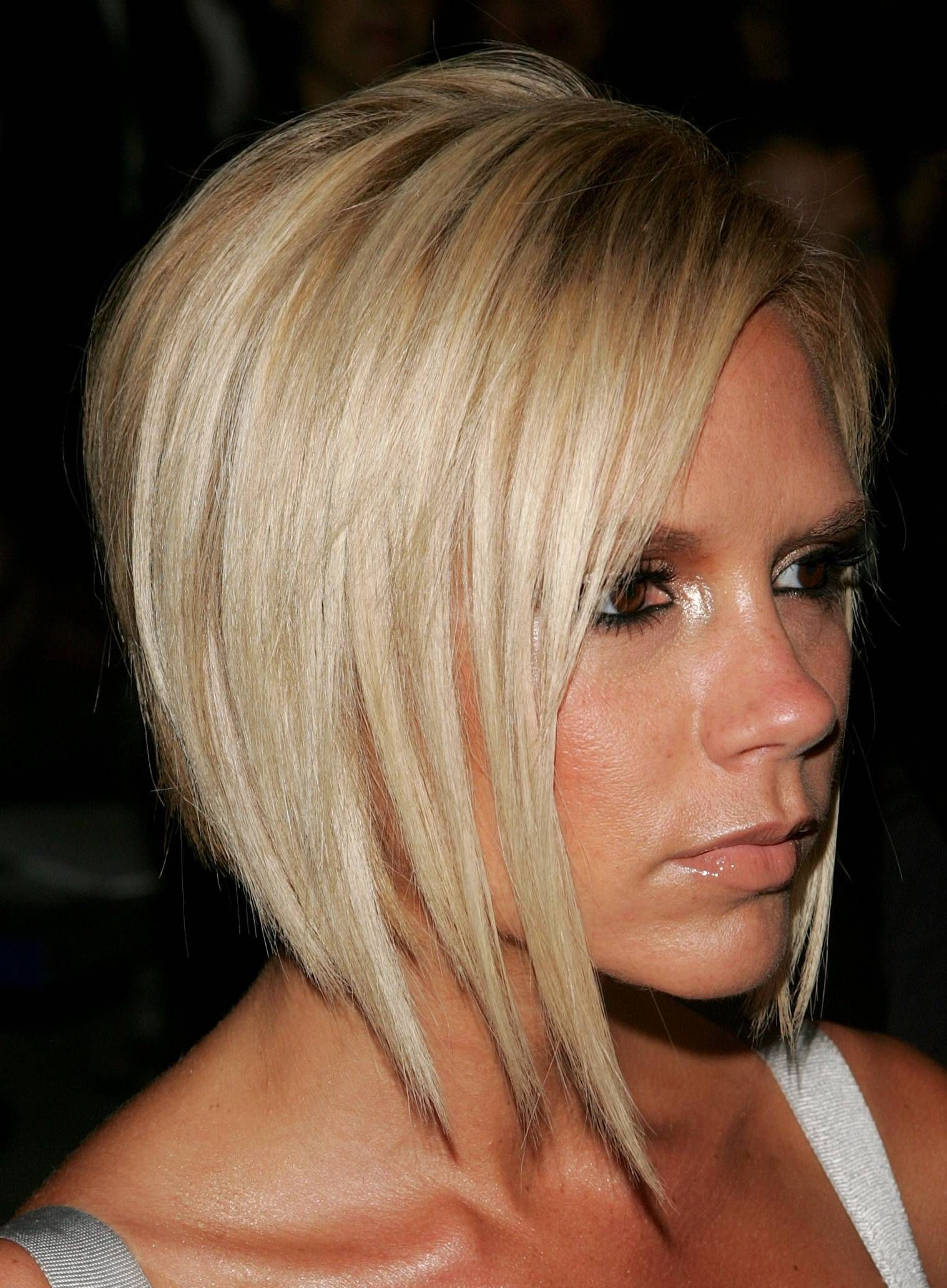 Pics photos victoria beckham bob haircut back view - Victoria Beckham Short Hairstyles Front And Back Is Also Available On This Page With Dark Brown Black Blonde Mixture Hair Color You Can Easily Get