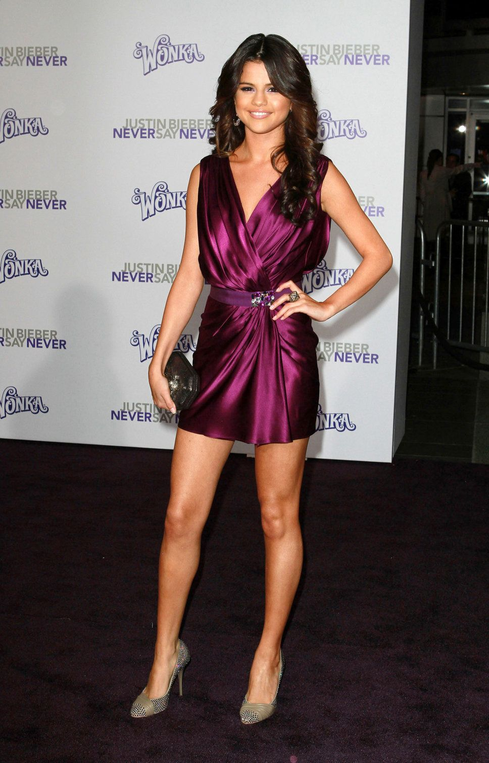 ¿Cuánto mide Selena Gomez? Real height 28e9002adef2bf5ed1951716f3b07c2d