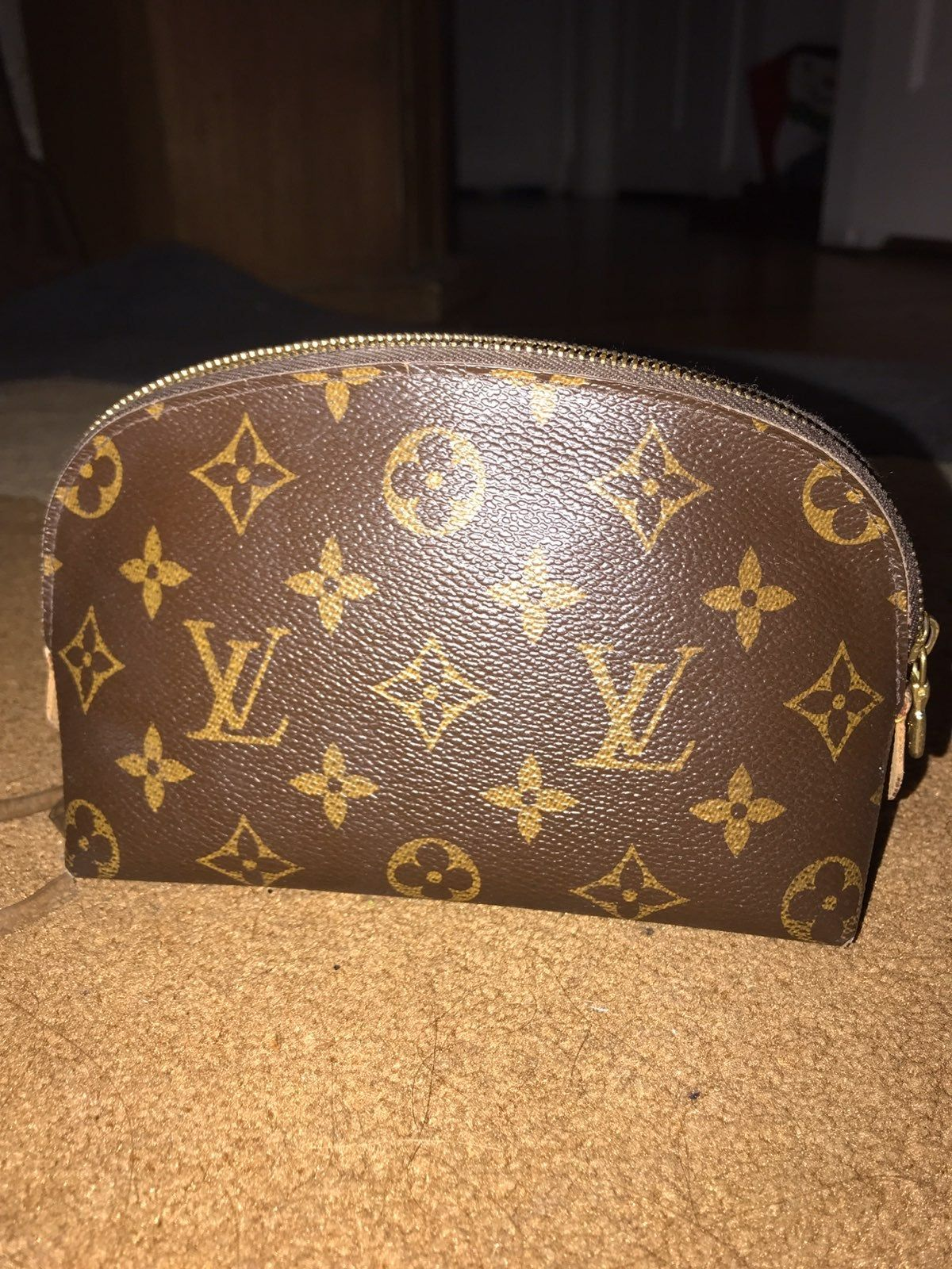 Have Been Used But In Still Good Condition Size Pm In Lv Print Does Have Some Makeup St In 2020 Louis Vuitton Cosmetic Pouch Louis Vuitton Cosmetic Bag Louis Vuitton