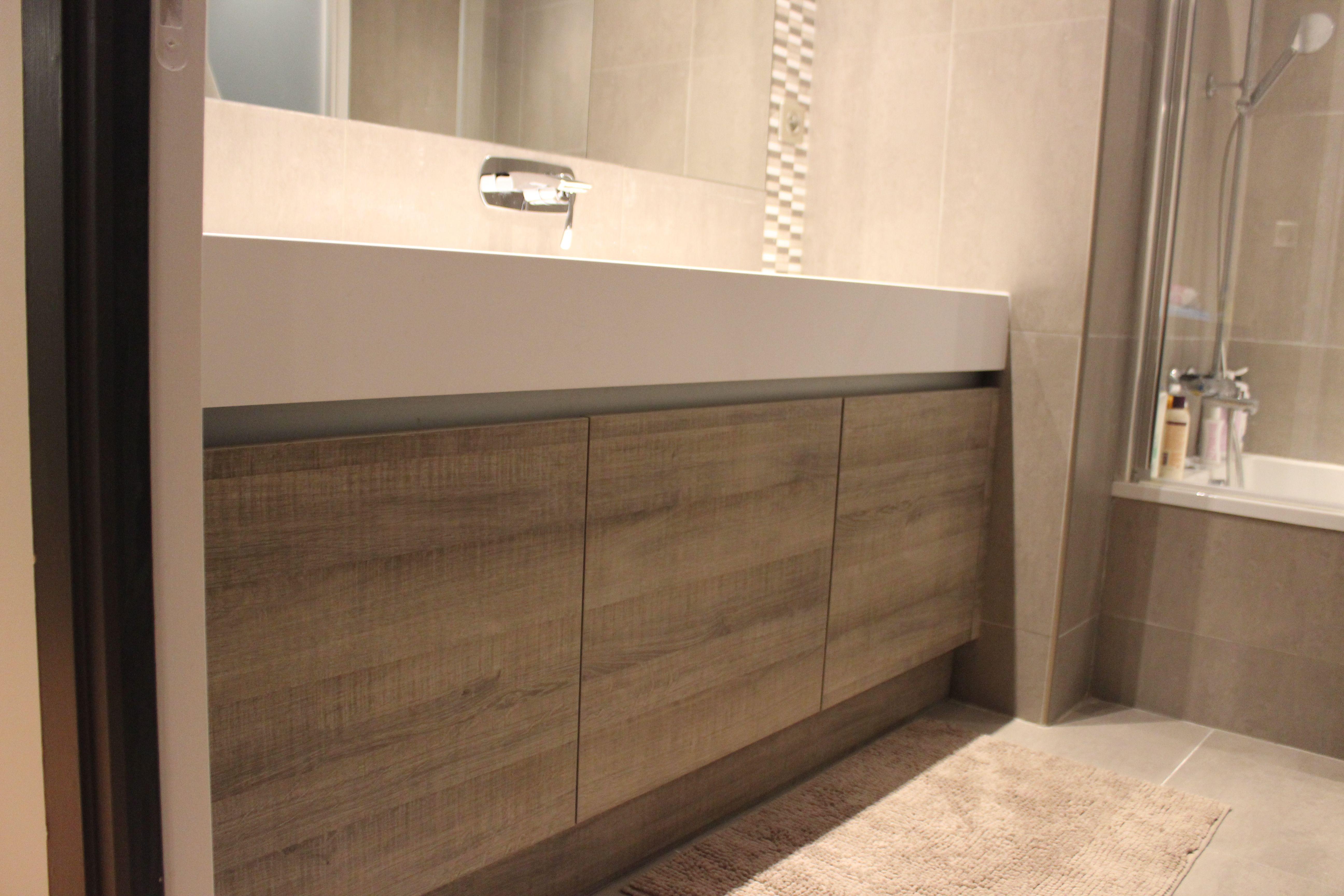 Meuble Corian Sur Mesure salle de bain en mélanine bois et vasque sur mesure en