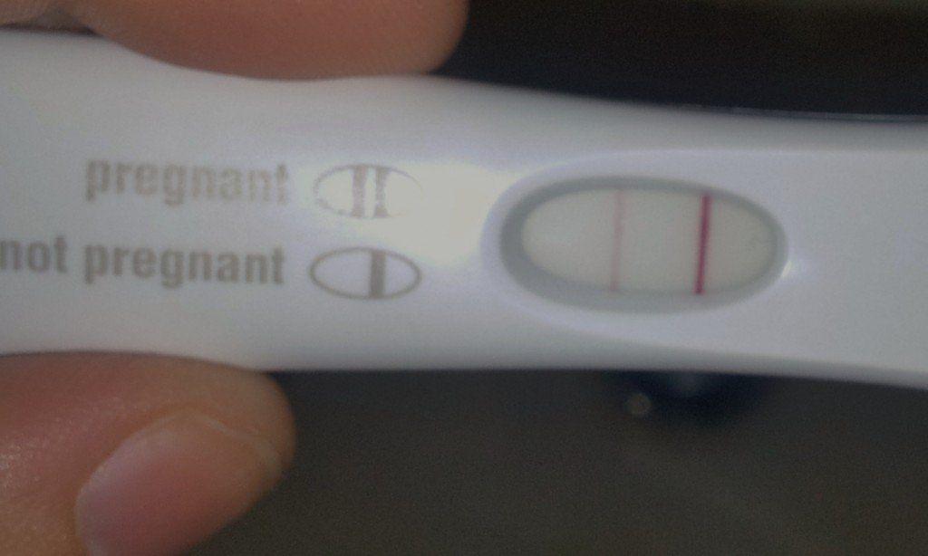 Am I Pregnant Or Is My Period Just Late Prueba De Embarazo
