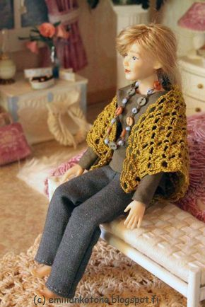how to: crocheted triangle shawl for dollhouse doll