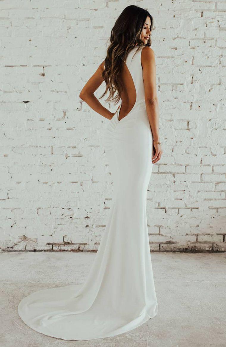 24 Affordable Chic Minimalist Wedding Dresses For Modern Brides Chiffon Wedding Dresses Lace Petite Wedding Dress Wedding Dresses [ 1166 x 760 Pixel ]