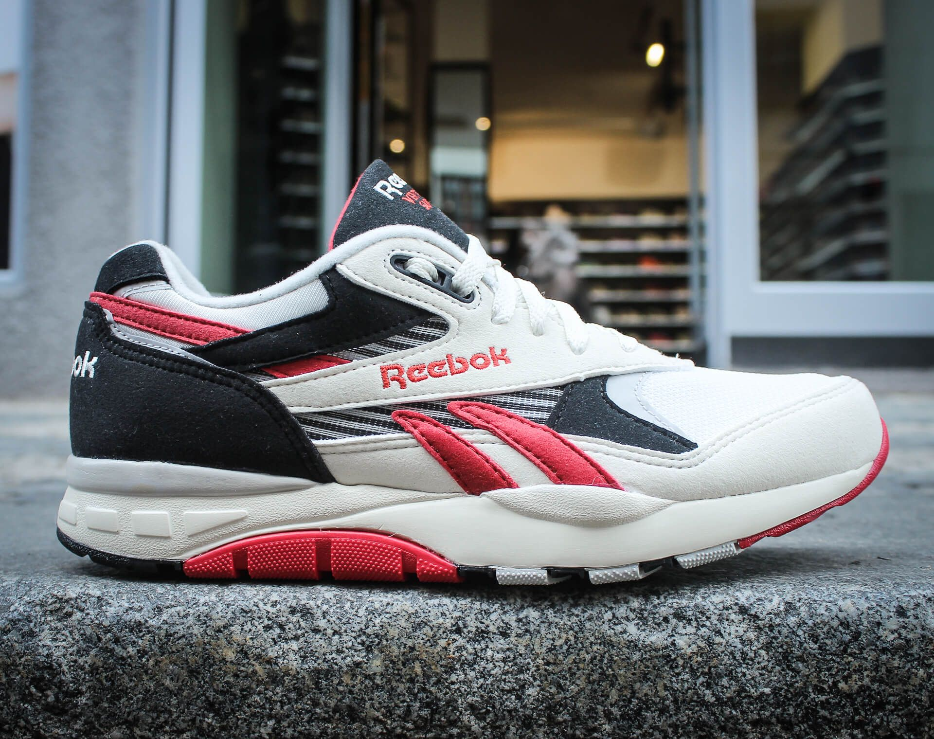 "Boty Reebok Classic Ventilator Supreme ""Rush Red"
