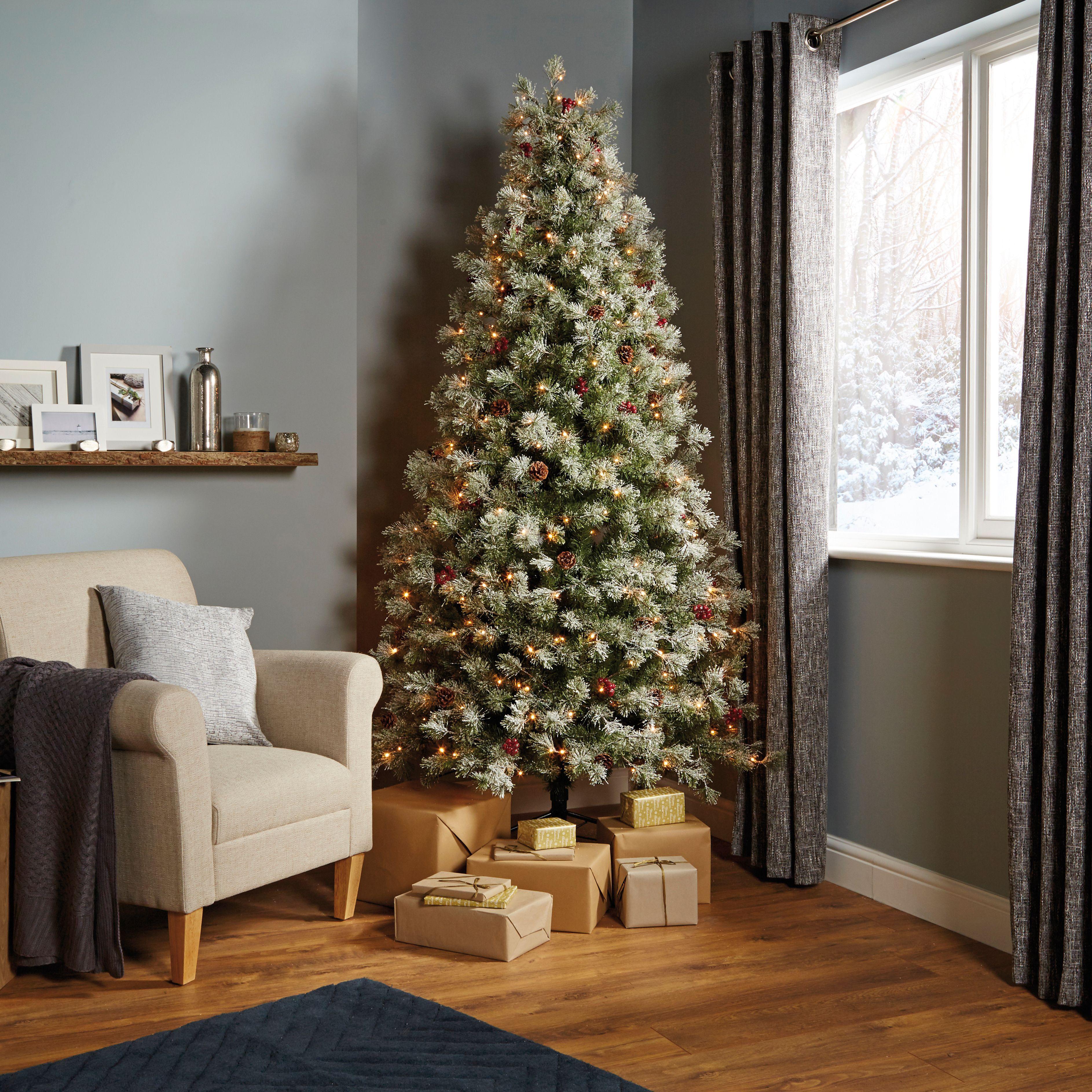7ft 6In Fairview Pre-Lit LED Christmas Tree