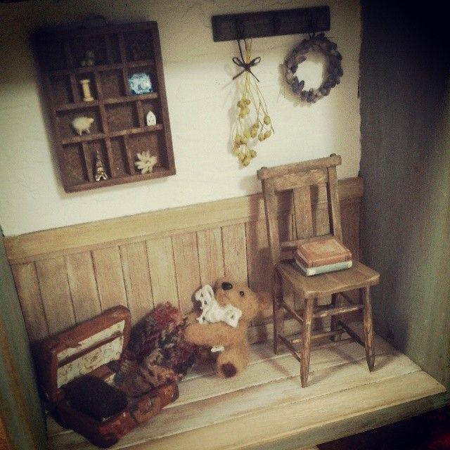 #teddybear#miniature#miniture#chair#ミニチュア#テディベア#レトロ#手づくり  complete!  完成しました(^O^)/ 寒いからブランケット引っ張りだそうとしてるクマちゃんです♪