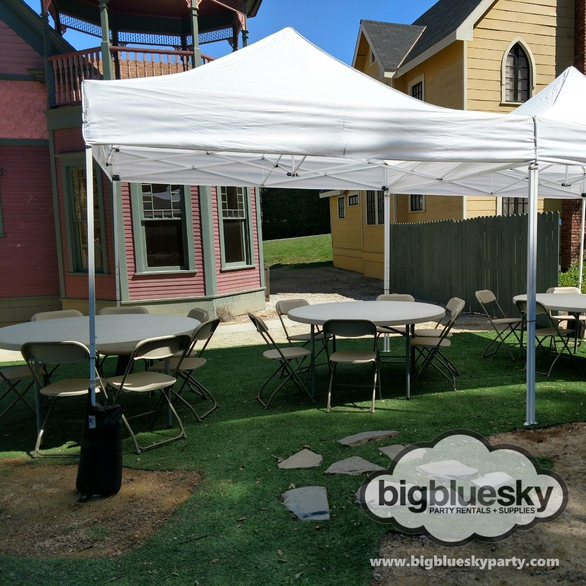 10 x 10 Canopy Rentals These 10' x 10' Pop Up Canopy