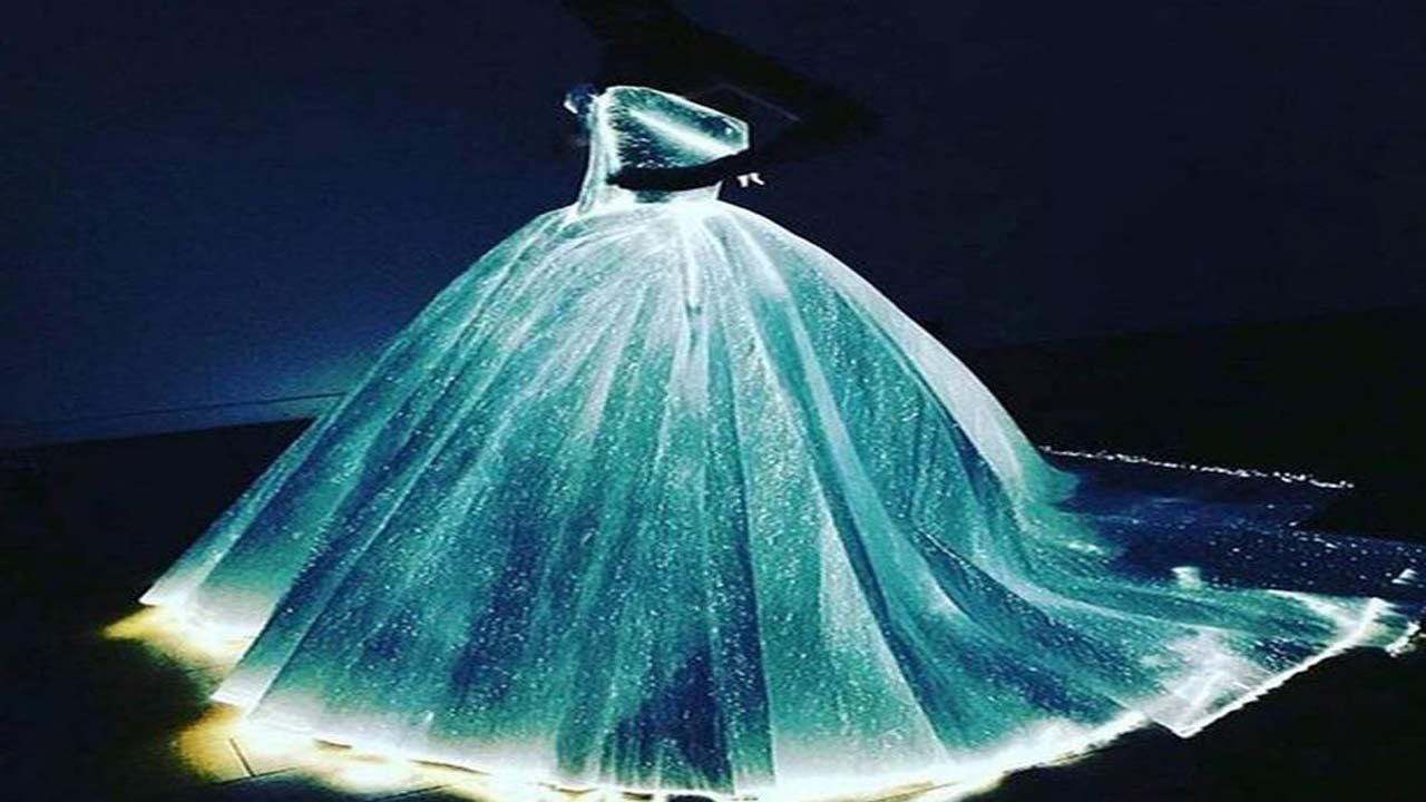 Claire Danes Literally Glows Wearing LIGHT-UP Princess Dress for ...