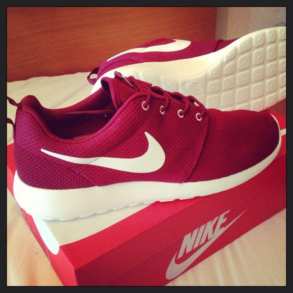 nueva llegada salida online super servicio Nike Rosherun (Team Red/Sail) Saw them. Couldn't resist ...