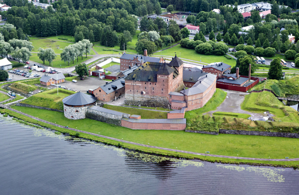 Hämeenlinna (With images) | Finland tour, Finland, Castle pictures