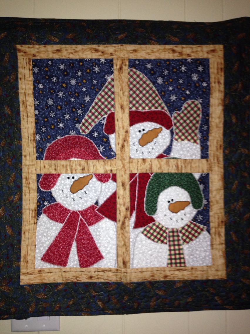 Pinterest Christmas Quilted Wall Hangings Snowmen In The Window Wall Hanging Christmas Quilt