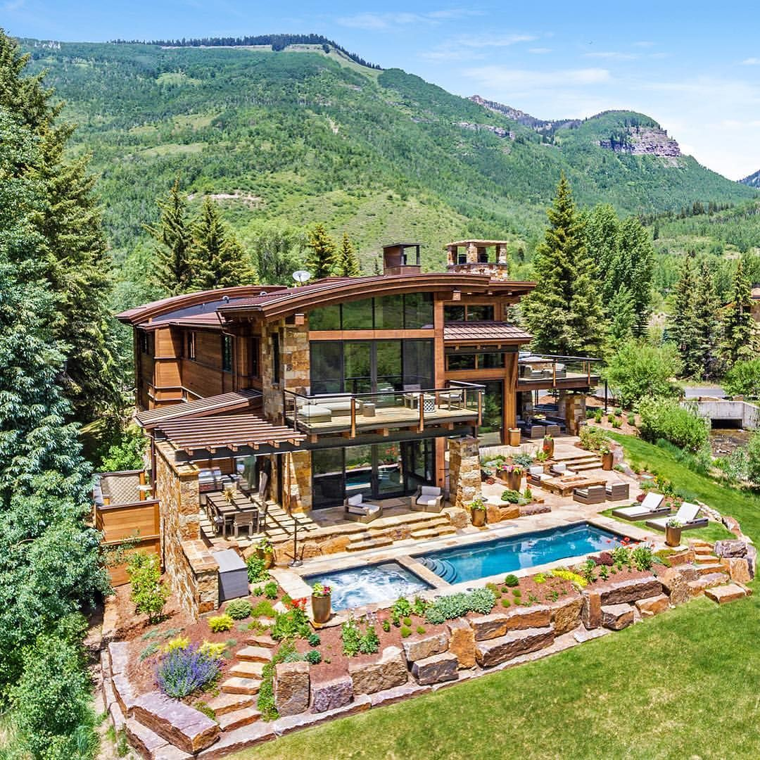Would You Want To Live In A House Surrounded By Mountains Where