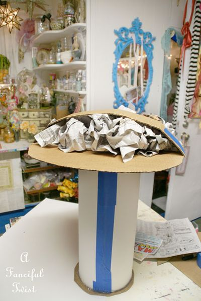 Giant Papier M 226 Ch 233 Mushroom A Tutorial Vbs Weird Animals 2014 Stuffed Mushrooms Alice In Wonderland Props Alice In Wonderland Tea Party