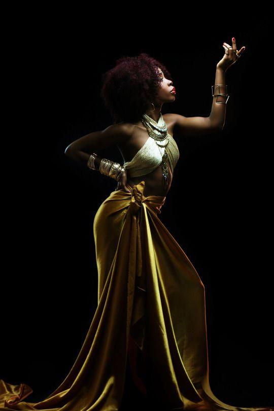 BANTU QUEEN - The Renaissance  Model: Andrea Bomo  Photographer: William NsaiMahogany Soul
