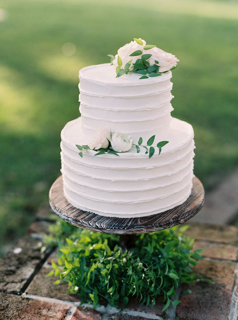 Lovely two tier wedding Cake! Just the right size! http