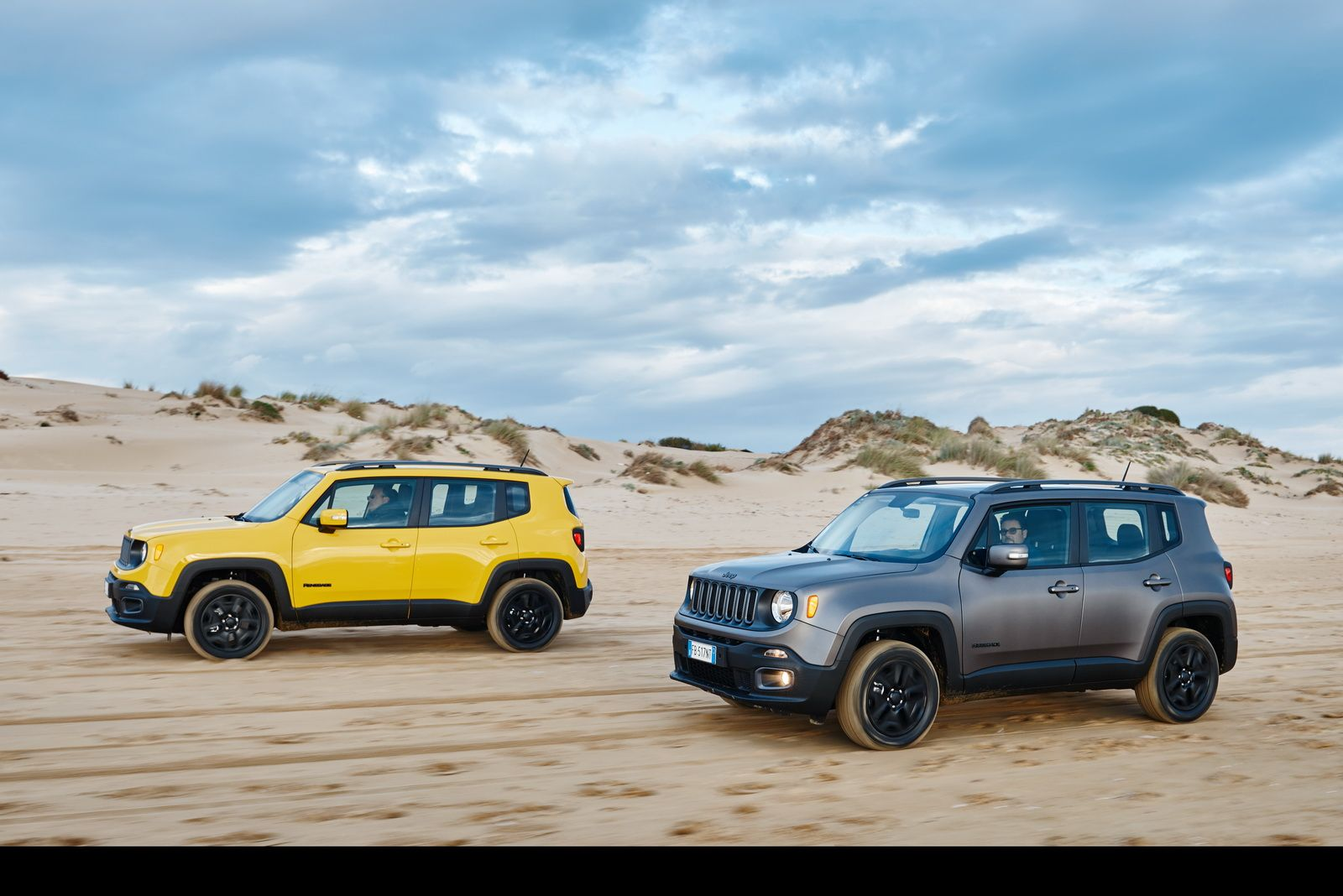 Special Jeep Renegade Night Eagle Arrives In European Showrooms In 2020 Jeep Renegade Jeep 2015 Jeep Renegade