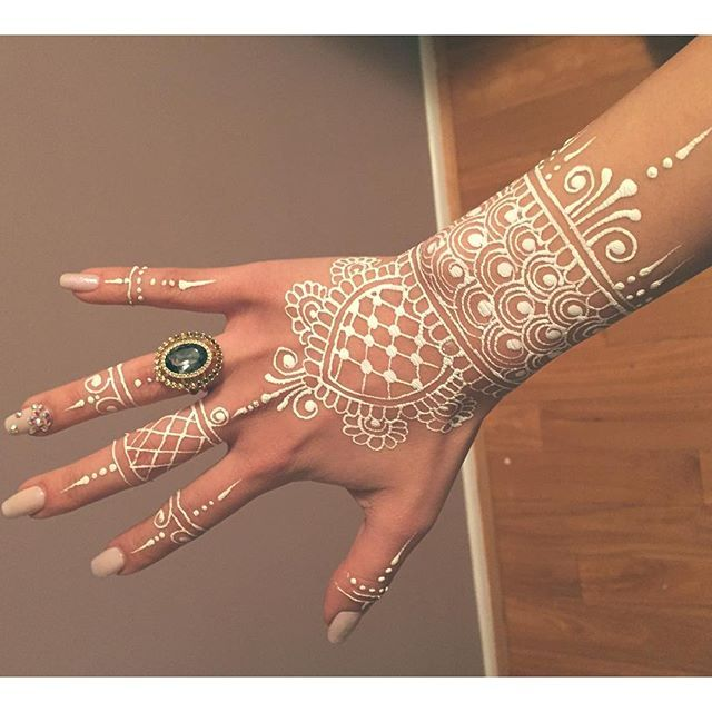 Inflicting Ink Tattoo Henna Themed Tattoos: Bodyart Henna Hennaart Mehendi On Instagram