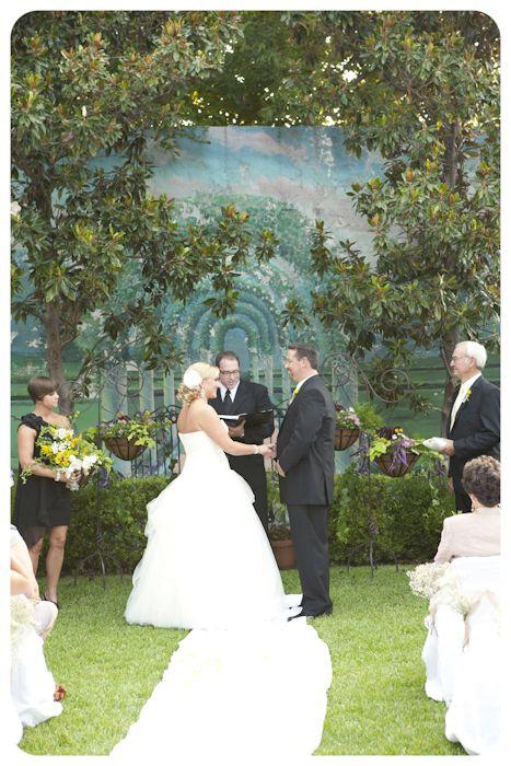 Los Vaqueros In The Stockyards Garden Area Fort Worth Wedding Sister