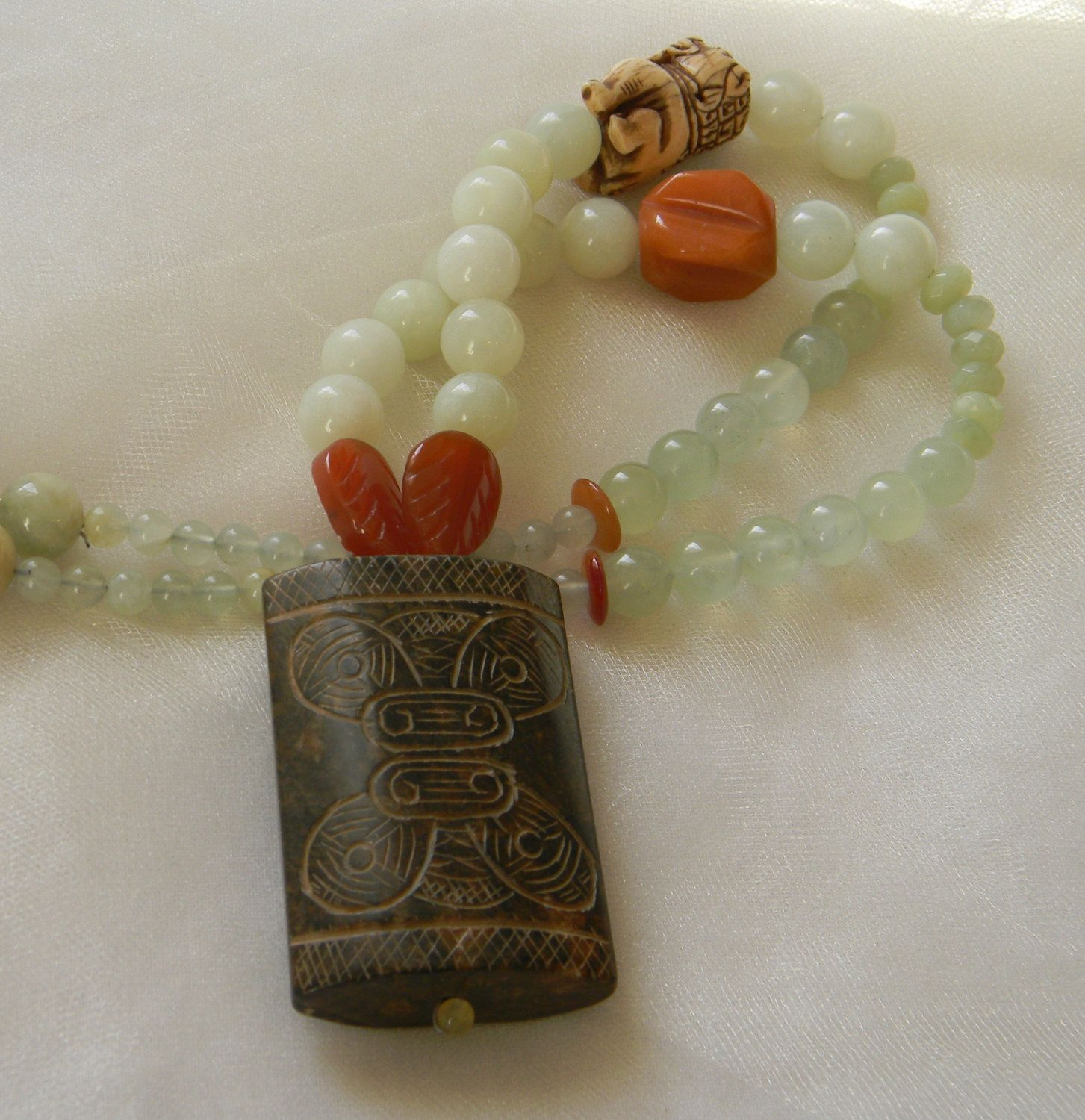 beaded jewelry new jade Jade Fu Dog pendant on new jade beads necklace Guardian Lion Protection talisman Shishi necklace for women